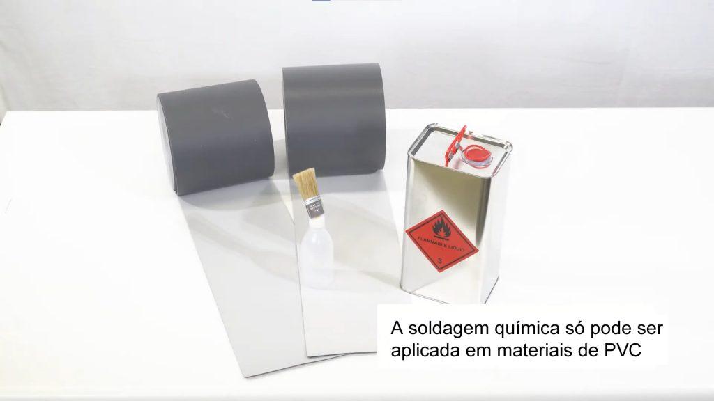 Somente lonas em PVC podem ser soldadas com cola solvente tipo THF